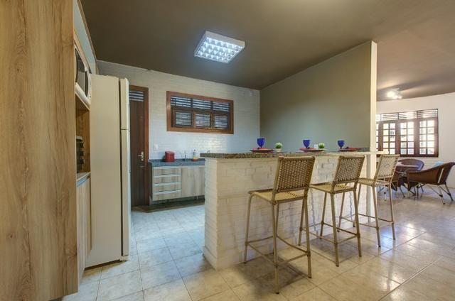 Alugo - Casa Super Confortável - 8 Suítes Ar/TV/Box - 30 Pessoas - Próxima Beach Park - Foto 17