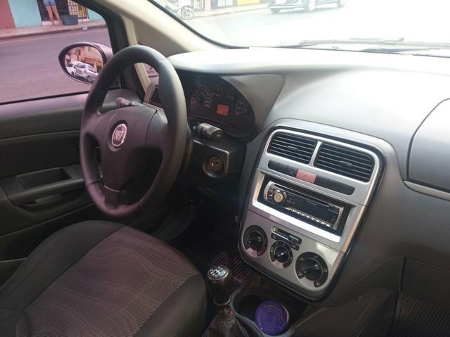 Fiat Punto 1.4 Attractive 2011 Completo - Foto 11