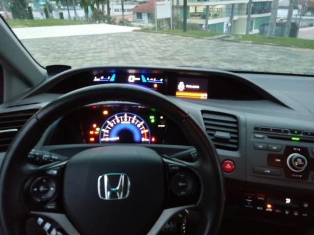 Honda Civic Lxs 1.8 Branco - Baixo KM - Foto 12