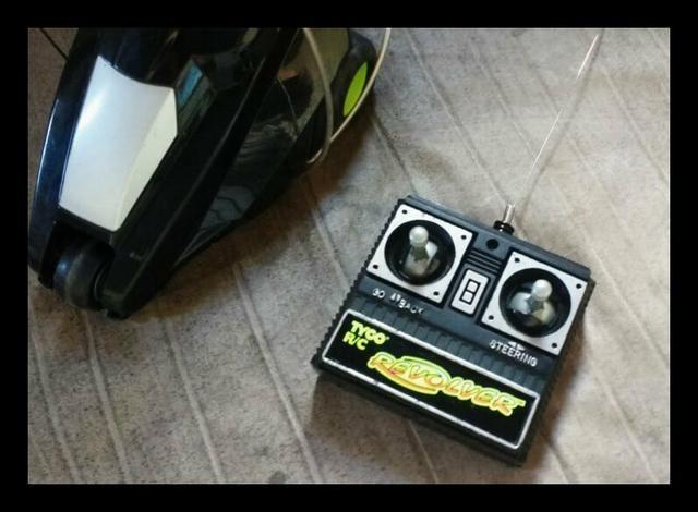 Vendo carrinho de controle remoto Revolver relíquia - Foto 2