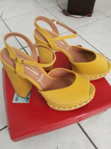 d9ada7b412 Sandália Vizzano plataforma amarela 37 Nova - Roupas e calçados ...