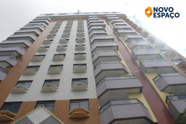 Apartamento com 1 dormitório para alugar, 40 m² por R$ 600/mês - Centro - Campos dos Goyta