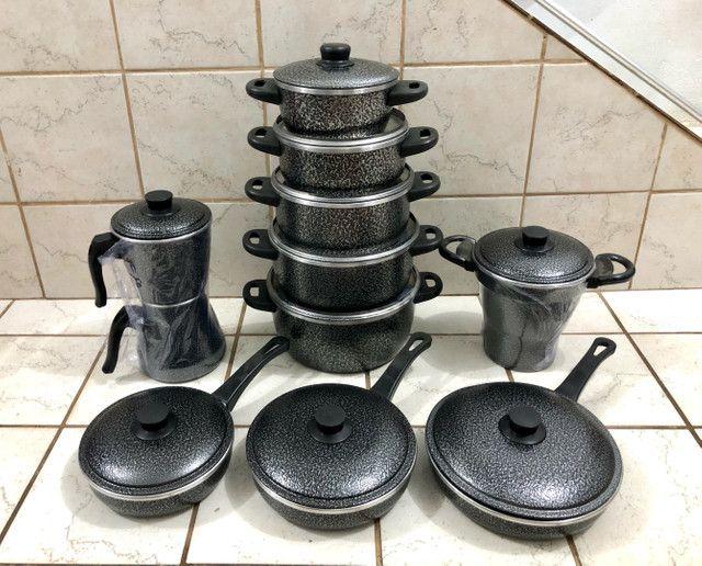 Jogo de panelas, cuscuzeira, frigideiras, cafeteira  - Foto 4