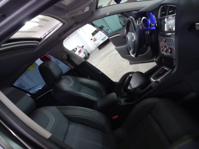 Citroen C4 Lounge Exclusive 1.6 turbo Thp Flex Aut 4p 2018 (Uber Black)  - Foto 9