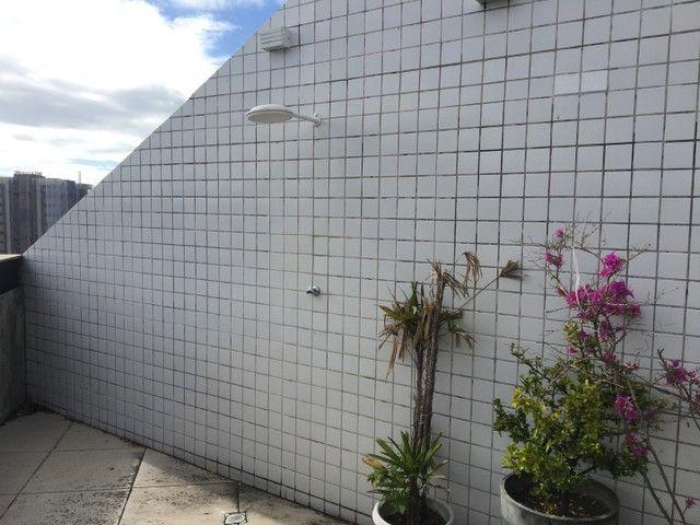 Vende-se excelente cobertura Garden com três quartos sendo uma suíte. - Foto 15