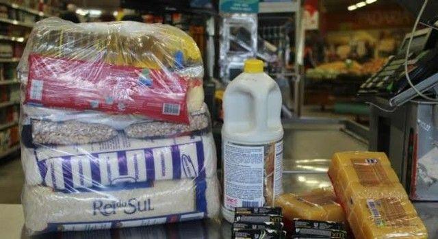 Vendo cesta e kit higiene