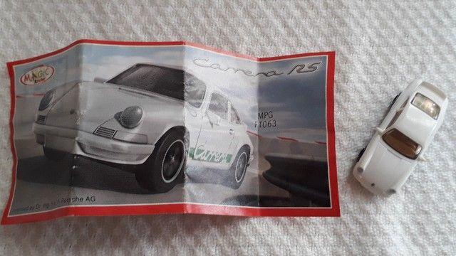 Jogo Kit de Carrinhos Porsche Colecionáveis Kinder Ovo modelos: Speedster e Carrera RS - Foto 6