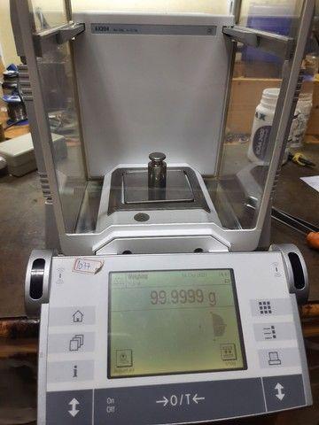Balança analítica Mettler Toledo ax204, 210g x 0,0001g 4casas - Foto 3