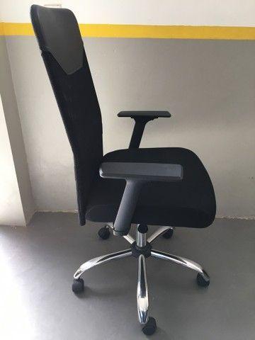 Cadeira Presidente Tela Mesh Preta Reclinável Escritório Giratória Home Office  - Foto 4