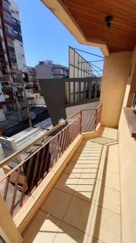 Apartamento 02 dormitórios para alugar em Santa Maria de frente com Sacada Garagem - ed Sa