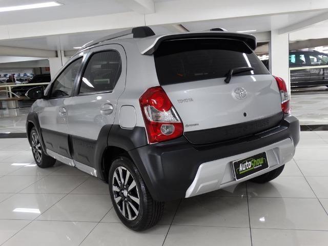 Toyota Etios Cross 1.5 Flex Prata - Foto 6