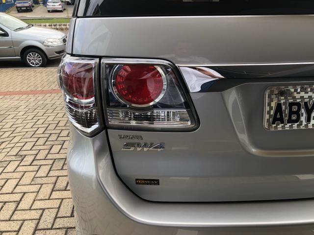 Toyota Hilux Sw4 3.0 Disesl Aut. 4x4 - Foto 9