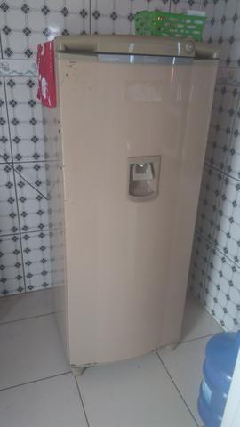 Geladeira super conservada - Foto 2