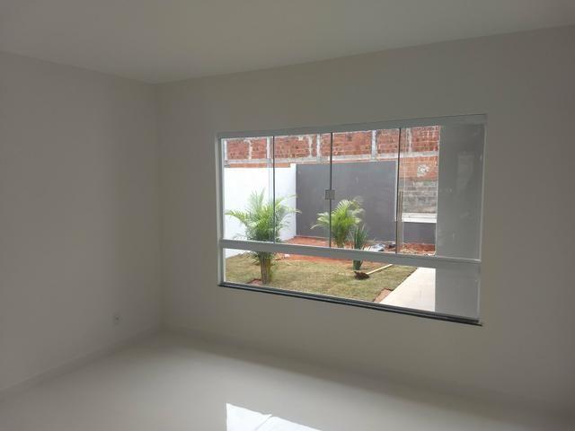 Arniqueiras QD 04 Casa 3 qts 2 suítes fino acabamento condomínio só 690mil Ac Imóvel - Foto 2