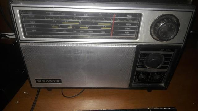 Radio Antigo Sanyo Funciona Mais Precisa De Ajustes Am Fm Sw