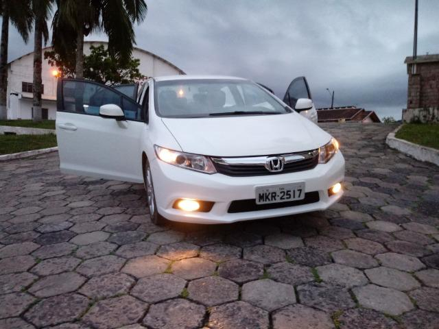 Honda Civic Lxs 1.8 Branco - Baixo KM - Foto 7