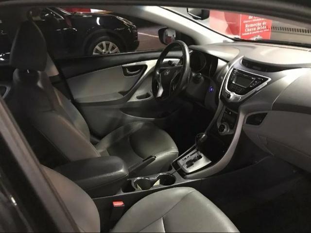 Vendo Hyundai Elantra 1.8 - aceito 5 mil na mão + parcelas no boleto - Foto 5