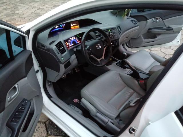 Honda Civic Lxs 1.8 Branco - Baixo KM - Foto 13