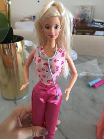 Barbie babá + Barbie pediatra - Foto 4