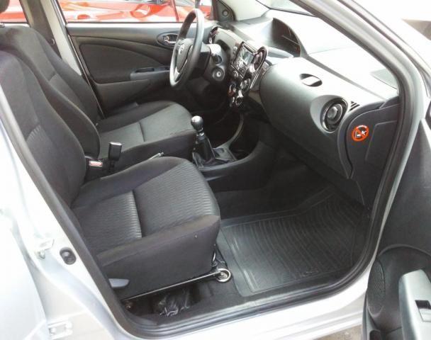 Toyota Etios 2017 1.3 X Hatch Flex - Foto 6