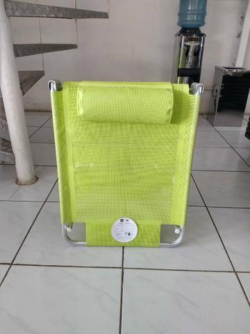 Espreguiçadeira dobrável com alças para facilitar o transporte - Foto 3
