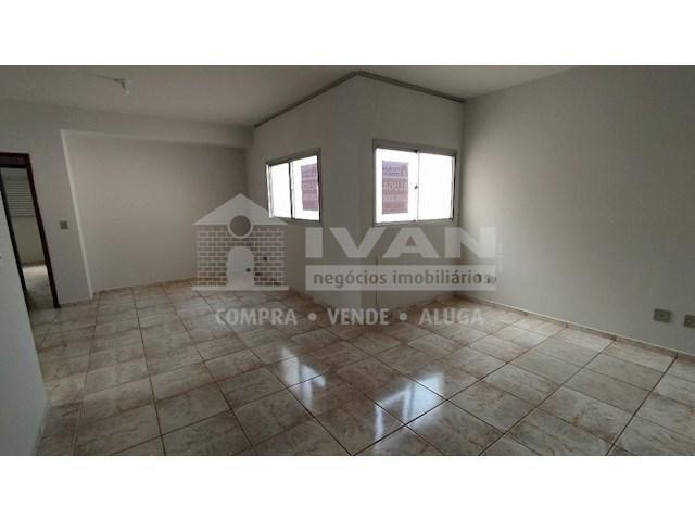 Apartamento para alugar com 3 dormitórios em Lídice, Uberlândia cod:716839 - Foto 6