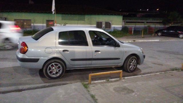 Renault Clio Sedan bem conservado (negociável) - Foto 4