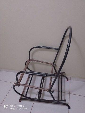 Carcaça de cadeira de balanco