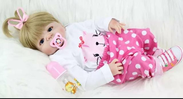 Boneca bebê reborn silicone