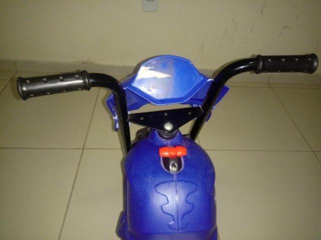 Moto infantil elétrica