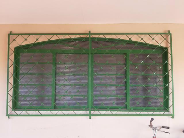 Janela 2m estrutura metalica com vidros
