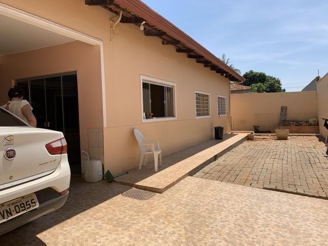 Vd/ troco casa de 5 qts, 2 suítes, laje no Setor de Mansões de Sobradinho.