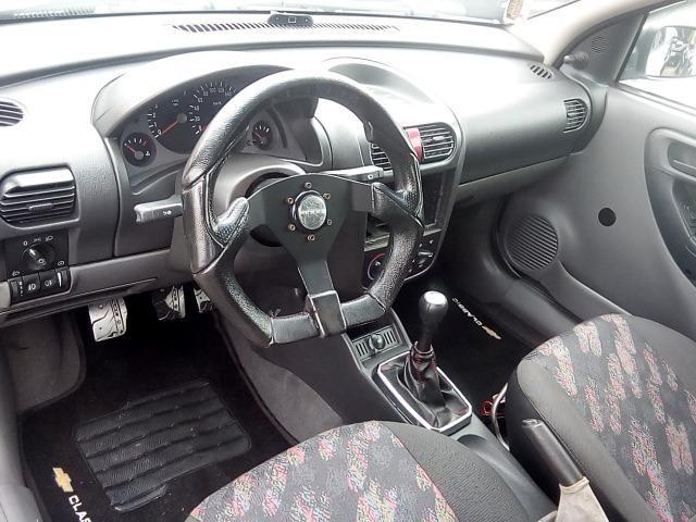 Corsa Hatch 1.0 - Foto 9