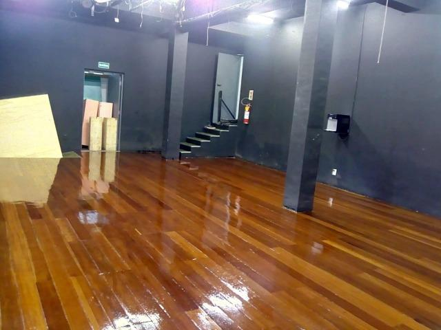 Raspagem e aplicação de sinteco em pisos de madeira - Foto 2
