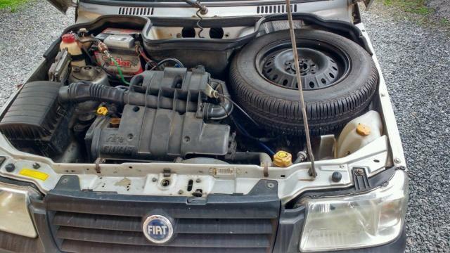 Troco em um carro 4 porta e volto 1.000 $ - Foto 3