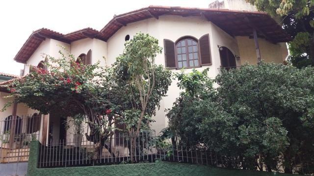 Casa triplex de 4 quartos, sendo 1 suite em fradinhos