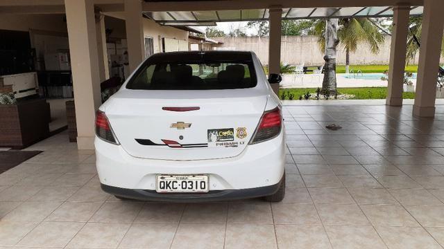 Carro Prisma LT 1.4 2015 completo, Banco de couro