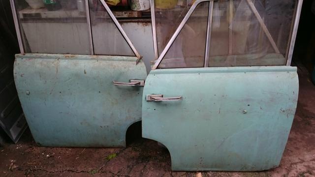 Ferro velho de peças de carros antigos Willys