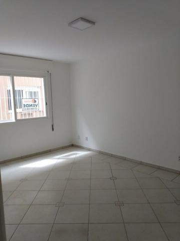 Vende-se apartamento central de 1 dormitório com garagem, Pelotas - Foto 9