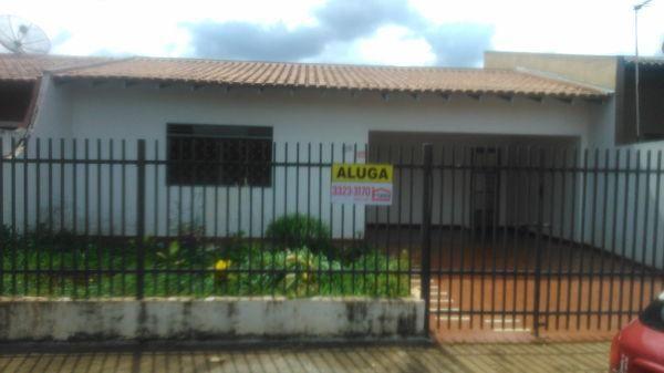 Casa  com 2 quartos - Bairro Jardim São Francisco de Assis em Londrina