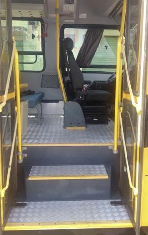 Microônibus iveco 2012 - Foto 3