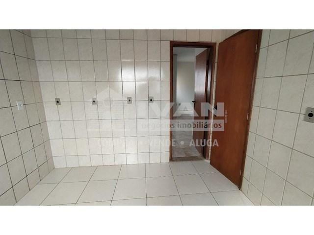 Apartamento para alugar com 3 dormitórios em Lídice, Uberlândia cod:716839 - Foto 10