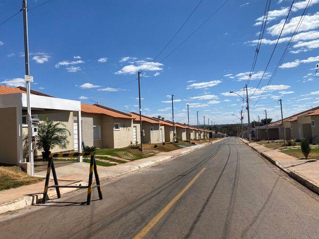 Vende se casa em Condomínio Fechado na região do Portal Shopping saída pra inhumas - Foto 2