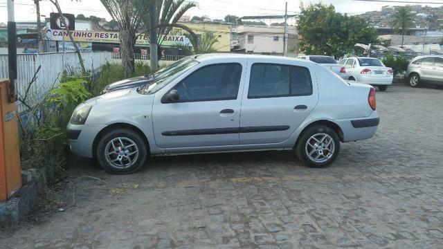 Renault Clio Sedan bem conservado (negociável) - Foto 5