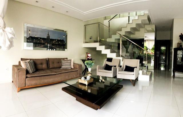 Casa no condomínio Sol Nascente, com: 4 suítes mais um quarto