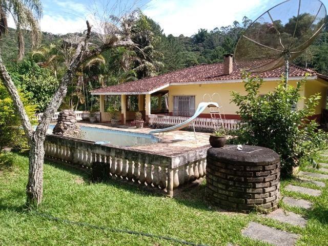 Sitio com 20.000 m²,bela casa,imenso lago e espaço para criações - Foto 2