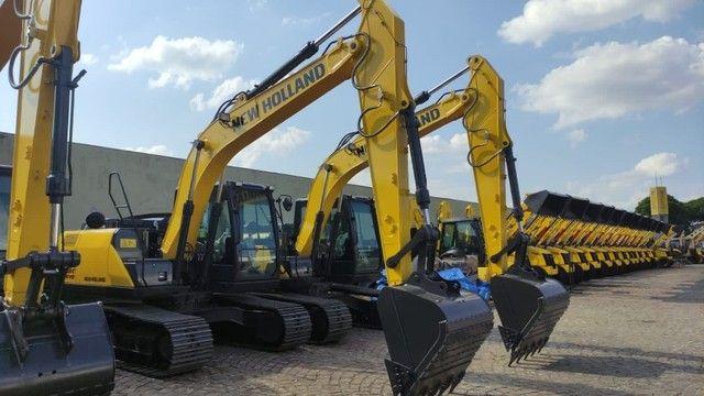 Vende-se escavadeira New Holland E145c 2021 - Foto 4