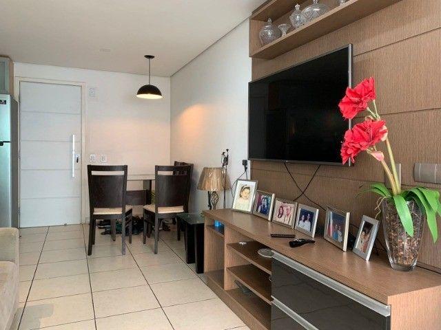 Apartamento a Venda no Meireles com 2 Suítes 2 Vagas! 300mts da Praia!