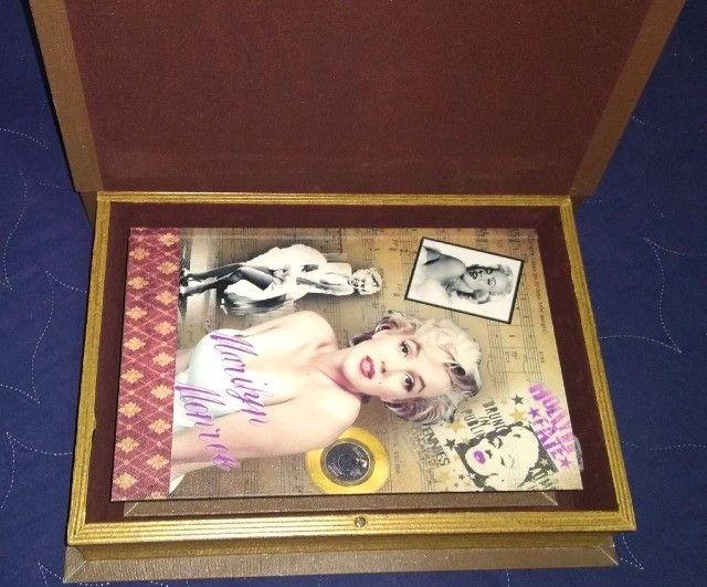 Conj Caixa livro decorativa em Madeira Marilyn Monroe 2 pcs