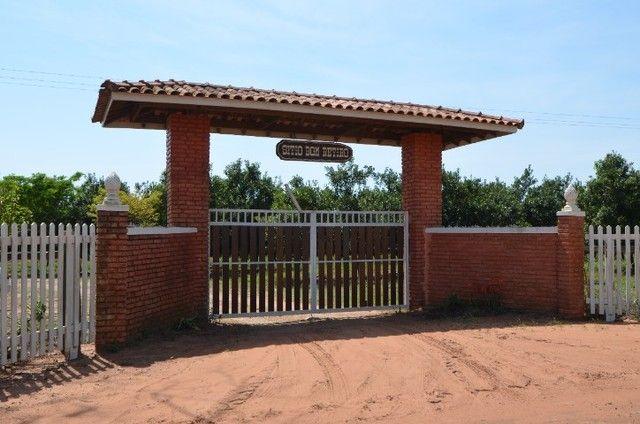 Sítio em Mineiros do Tietê com 3 alqueires - com ampla casa e área de lazer - produtivo